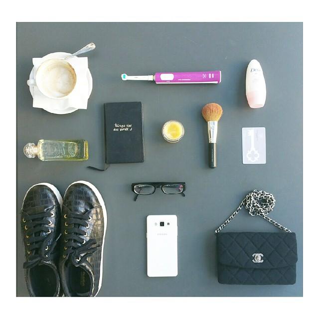 The team.  #essentials #favoritethings #moments #moodofthebeauty #blogging #instagood #instalike #instadaily #instamoment #photooftheday #presstrip #dove #talcsoft #coffee #notes #oralb #samsunglover #pullandbear #hermes #lejardindemonsieurli #chanel #bag  #elemis #cleanser #idbareminerals #sephora #emporioarmani #glasses #key #ομορφιάστουςσυνδυασμούς